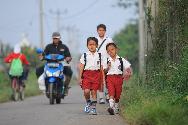 Pergi Sekolah